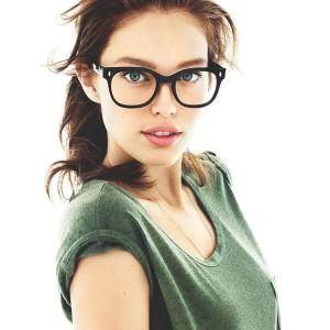 Những mẹo làm đẹp hiệu quả dành cho các cô nàng kính cận