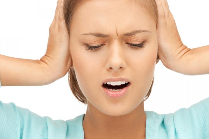 Bệnh ù tai và những điều bạn cần biết