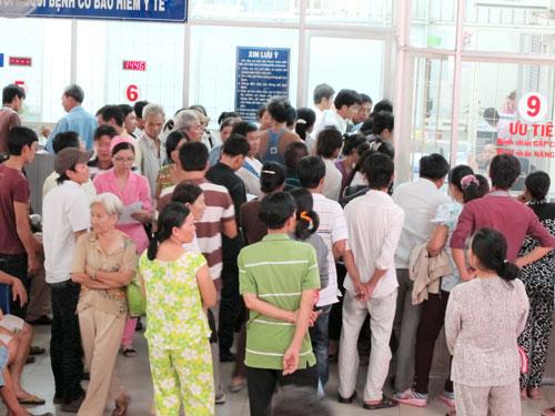 Bệnh viện ăn cắp giờ công – Kỳ 2: Hưởng lợi từ cơ sở công