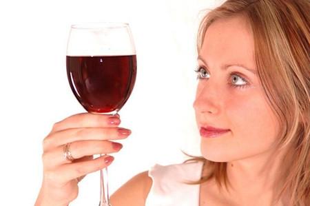 Uống rượu lợi chăng?