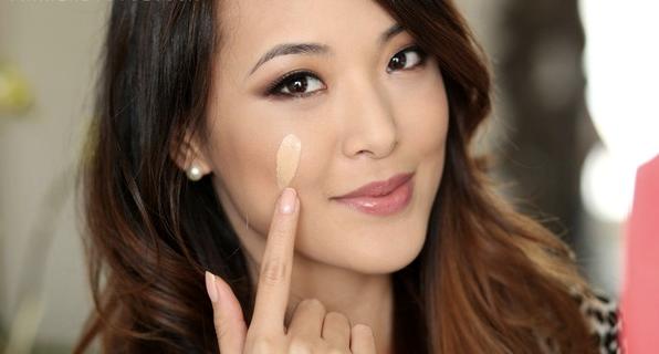 Cách chọn phấn trang điểm nền phù hợp với da