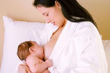 Chế độ dinh dưỡng cho bà mẹ đang cho con bú