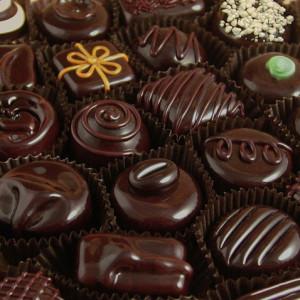 Làm giảm nguy cơ mắc bệnh tim mạch bằng sôcôla đen