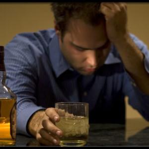 Uống nhiều rượu dẫn đến suy tim