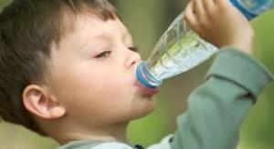 Uống nhiều nước giúp tăng chiều cao ở tuổi dậy thì