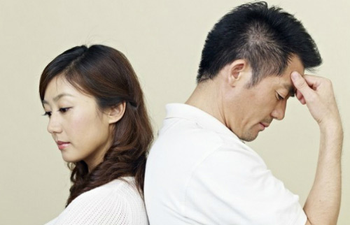 Sốc: Chồng yếu sinh lý, vợ hoang dâm đi ngoại tình với trai trẻ