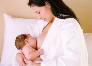 Nuôi con bằng sữa mẹ vừa tốt cho con vừa giúp mẹ nhanh chóng giảm lượng mỡ dư thừa