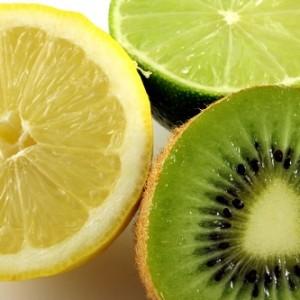 Một số phương pháp làm trắng da mặt với quả Kiwi