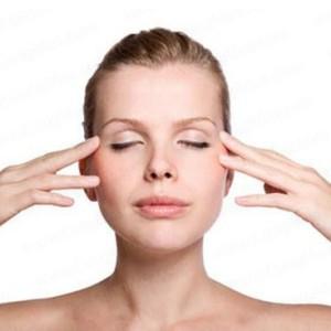 Phương pháp massage mắt giúp giảm thâm quầng