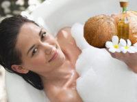 Cách tắm trắng tại nhà với dầu dừa nguyên chất