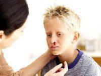 Chia sẻ kinh nghiệm chăm sóc trẻ bị chảy máu cam