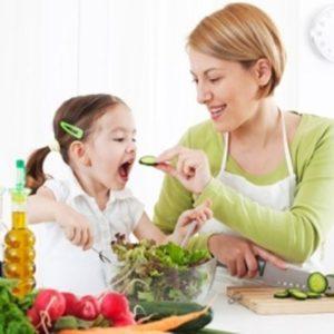 Những lưu ý mà các mẹ cần tránh khi chế biến cho trẻ