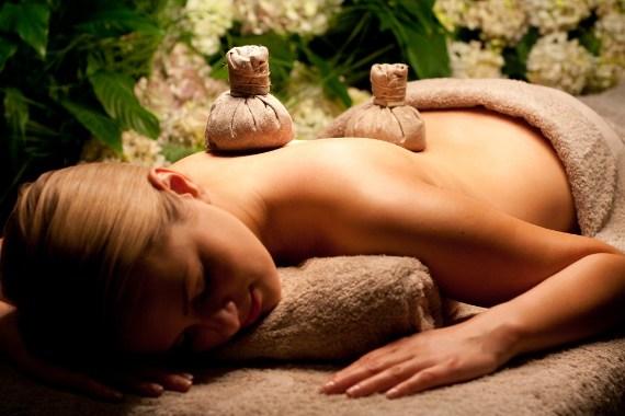 tim_hieu_phuong_phap_massage_thao_duoc_tri_lieu_thai_lan_2