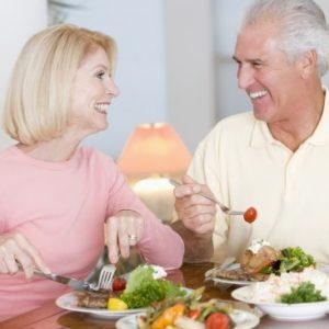 Sống lạc quan – phương pháp chữa cao huyết áp hiệu quả ở người già
