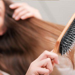 Cách chọn lược phù hợp cho từng loại tóc khác nhau