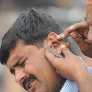 Nguy hiểm khôn lường của việc thường xuyên ngoáy tai