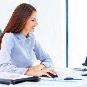 Cách bảo vệ da cho người làm việc nhiều trước máy tính
