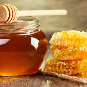 Cách trị mụn bọc bằng nước muối và mật ong