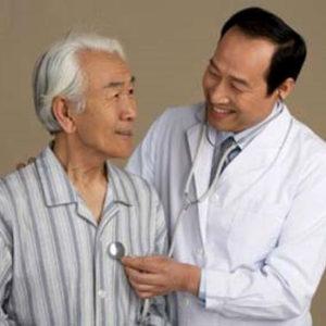 Phòng tránh và điều trị bệnh ho ở người già