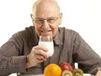 Đồ uống tốt cho tim mạch người cao tuổi