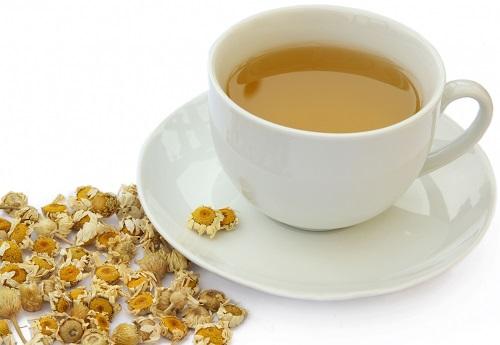 Ngăn ngừa ung thư bằng trà hoa cúc