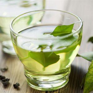 Cách làm đẹp từ lá trà xanh ít ai ngờ đến