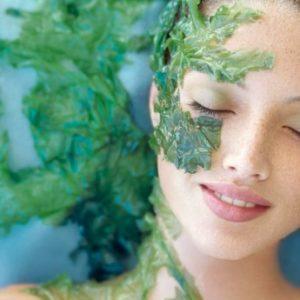 Nuôi dưỡng làn da mịn màng với tảo biển Spirulina