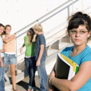 7 dấu hiệu của người mắc chứng sợ giao tiếp xã hội