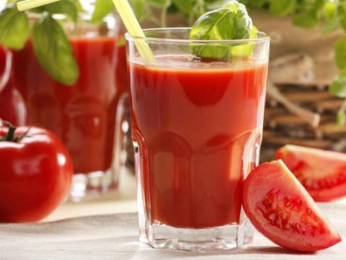 Ổn định huyết áp bằng nước cà chua