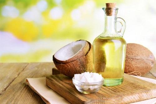 Chế biến món ăn hàng ngày bằng dầu dừa