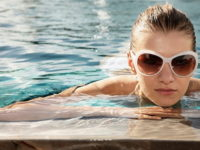 Bảo vệ tóc với nước hồ bơi
