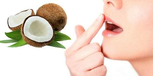 Chữa bệnh chàm môi bằng dầu dừa