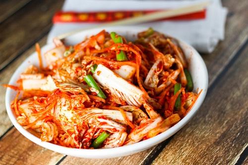 Hạn chế ăn những thực phẩm cay, nóng