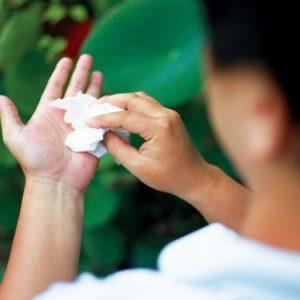 Top 3 cách chữa bệnh mồ hôi tay chân hiệu quả nhất bạn đã biết chưa?