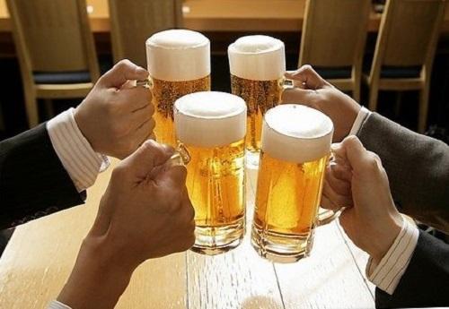 Tránh uống rượu bia