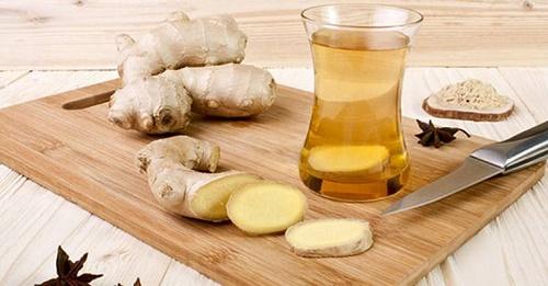 Trị ho bằng trà gừng và mật ong