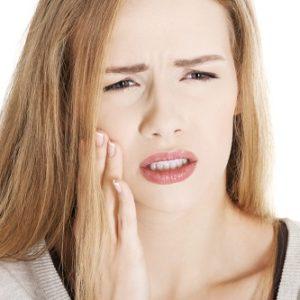 Tìm hiểu cách trị ê buốt răng tại nhà hiệu quả nhất