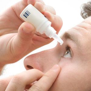 Có nên dùng thuốc nhỏ mắt để bảo vệ mắt hằng ngày không?