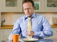 Đầy hơi, khó tiêu gây ảnh hưởng đến sức khỏe