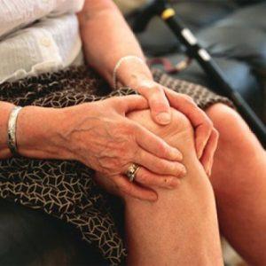 Những triệu chứng của bệnh viêm khớp mãn tính