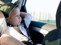 Nắng nóng thế này làm sao chăm sóc đôi mắt trẻ hiệu quả?