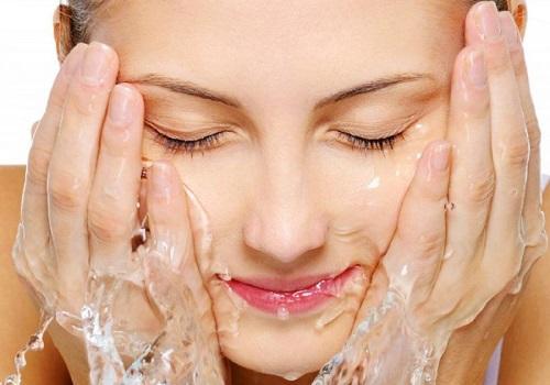 Sai lầm khi rửa mặt làm hỏng da mặt