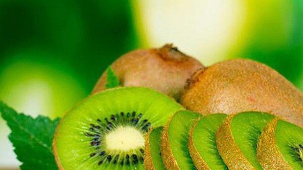 vitamin C trong kiwi cao gấp 3 lần có trong cam
