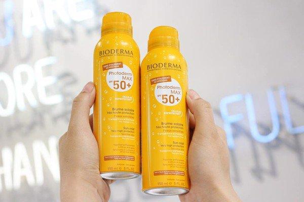 Xịt chống nắng Bioderma Photoderm MAX Spray SPF50+