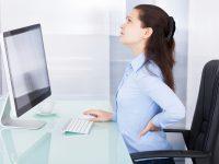 Tại sao ngồi lâu bị đau lưng những biến chứng nên biết