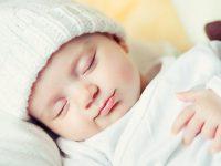 Trẻ 3 tháng tuổi ngủ bao nhiêu là đủ và cách để cho bé ngủ ngon hơn